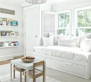 daybed-13 ideas to customize your home part 2 of 2-Richardson Custom Homes-Fort Myers- 300x271 jpg